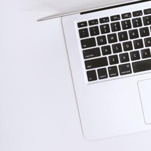 Kaip išsirinkti programinės įrangos mokymus | Infoera.lt